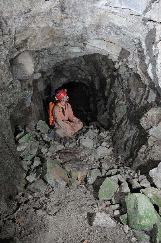 Interno di una miniera sul Torrente Manna.