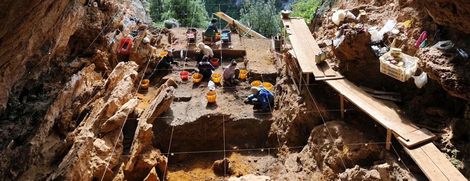 Visite guidate nelle miniere preistoriche dell'alta valle dell'Esaro: un'esperienza indimenticabile!